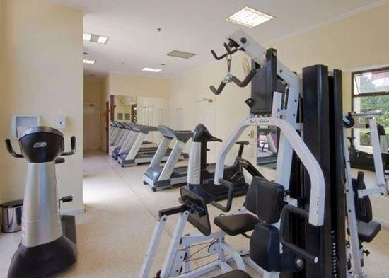 Quality Suites Vila Olimpia: Exercise room