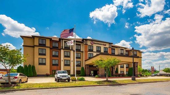 Best Western Plus Tupelo Inn & Suites: Exterior