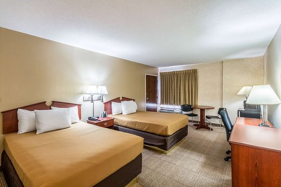 Econo Lodge Beckley: Guest room with double bed(s)