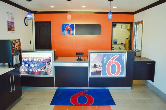 Motel 6 San Diego Airport - Harbor: lobby