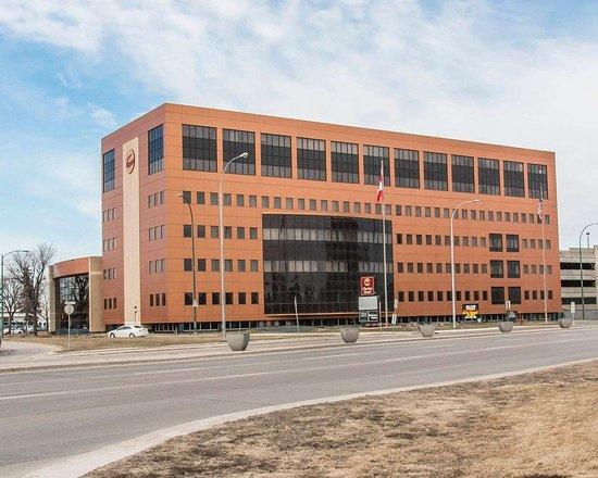 Clarion Hotel Winnipeg: Hotel exterior