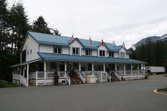 Sayward, Kanada: Store/Motel