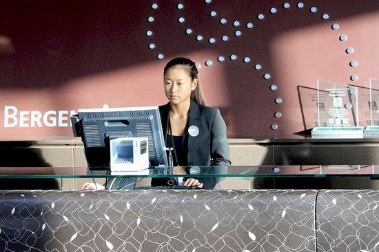 Clarion Hotel Bergen Airport: Front desk