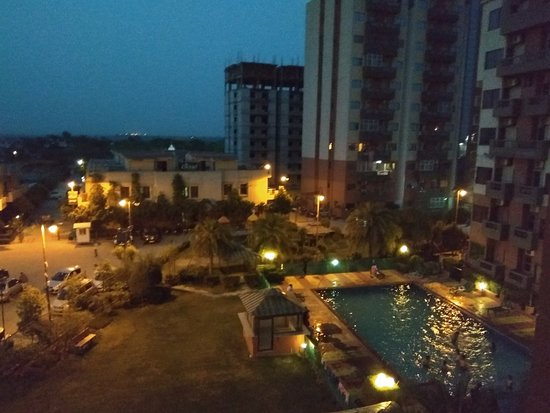 Good option for family stay with kids just behind prem mandir