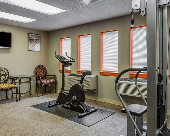 Plainfield, CT: Fitness center with cardio equipment