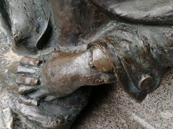 Monument to Mikhail Zoshhenko