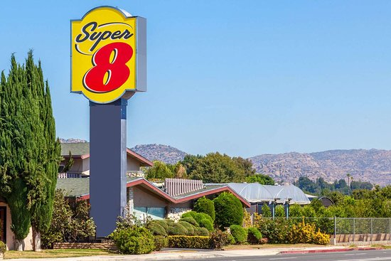 Super 8 by Wyndham Canoga Park