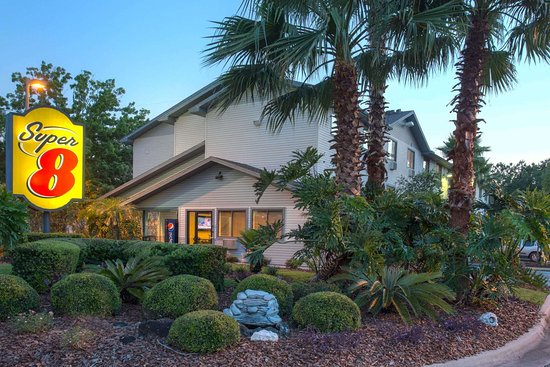 Super 8 by Wyndham Gainesville
