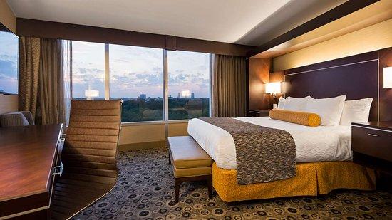 Best Western Premier Detroit Southfield Hotel  90