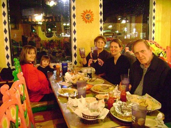 Ripley, MS: Dinner with the Family <3