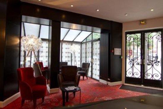 Emeraude Hotel Plaza Etoile: Lobby View