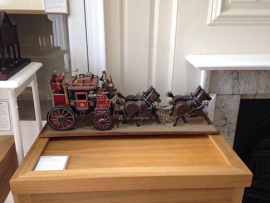 Museum of Farnham: Post Coach