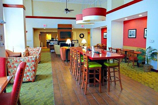 Hampton Inn and Suites Tilton