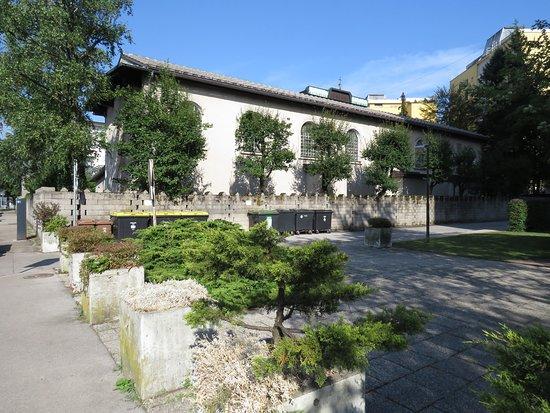 Zupnijska cerkev Sv. Cirila in Metoda