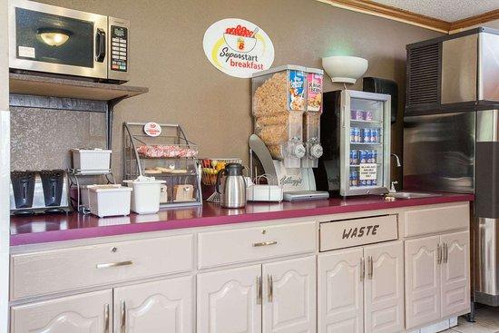 Dunbar, WV: Breakfast Area