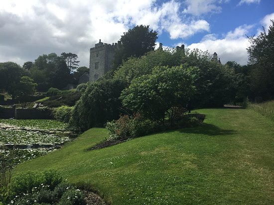 Sizergh Castle: A view of the House