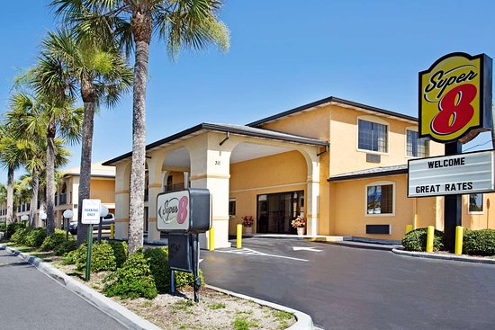 Super 8 by Wyndham St. Augustine Beach: Exterior
