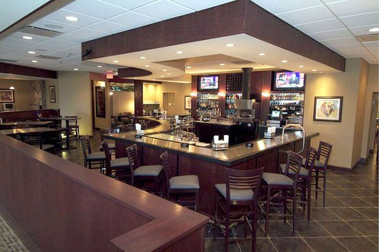 DoubleTree by Hilton Hotel Pittsburgh Airport: Restaurant
