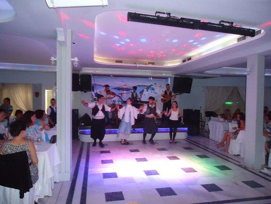 Greek Nights Dimitris: The Greek musical band and the dancers of Tavern Dimitris