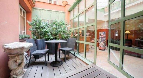 Hôtel Jardin Le Bréa : Restaurant