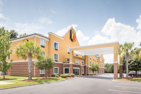 Super 8 by Wyndham Savannah