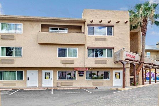 Super 8 By Wyndham Las Vegas North Strip Fremont St Area 33 6 2 Updated 2021 Prices Hotel Reviews Nv Tripadvisor