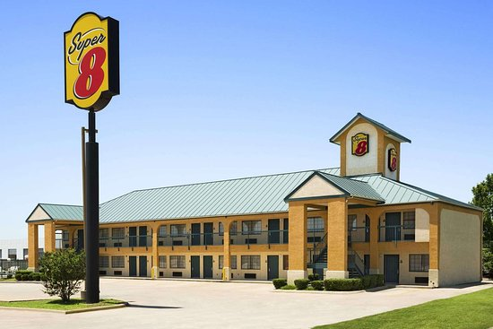 Super 8 by Wyndham Grand Prairie Southwest