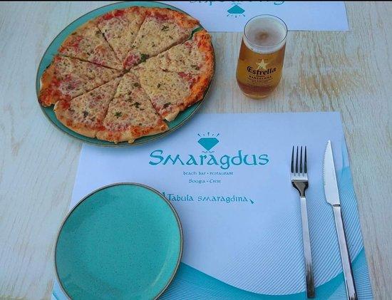Sougia, Yunani: Various Choices of Pizza