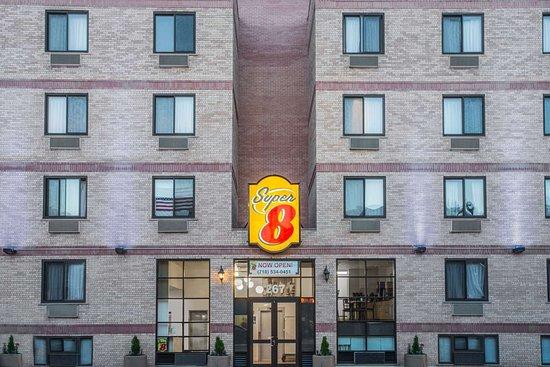 スーパー 8 ブルックリン