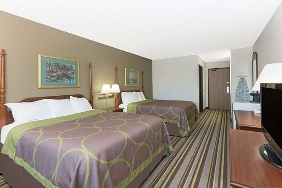 Creston, IA: Guest room