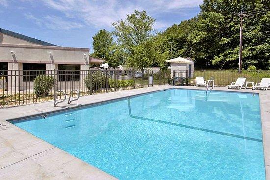 Eden, NC: Pool