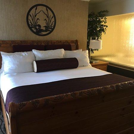 Cherry Tree Inn & Suites: photo0.jpg