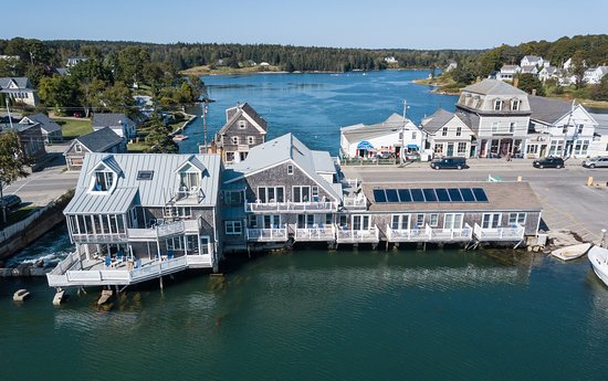 Vinalhaven, ME: Get away from it all and enjoy the view from your waterfront deck as you drink your morning coff