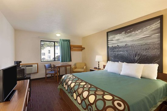 Super 8 by Wyndham Wall: Standard King Bed Room