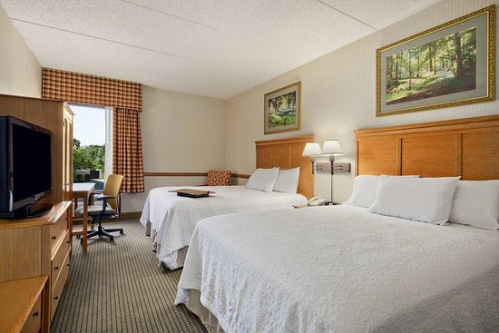 Middletown, NY: Double Queen Room