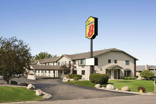Super 8 by Wyndham Alexandria MN