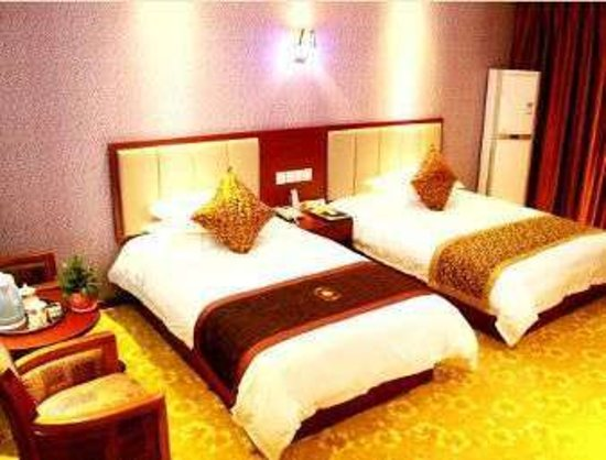 Shiyan, China: Two Twin Bed Guest Room