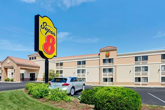 Super 8 by Wyndham Wichita East