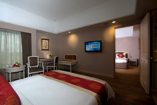 deluxe interconnecting picture of berjaya waterfront hotel rh tripadvisor com