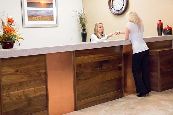 Williston, ND: Reception Desk
