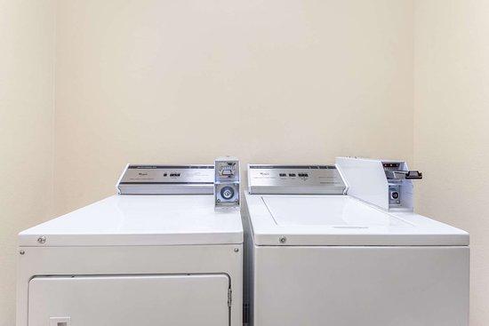 Hidalgo, TX: Laundry