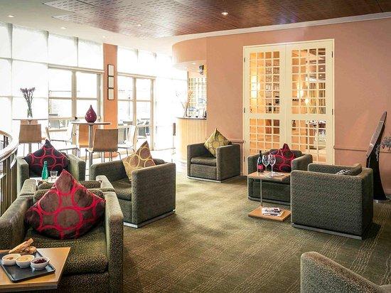 Mercure Sydney Parramatta: Bar Lounge