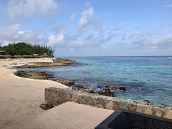 Presidente Inter-Continental Cozumel Resort & Spa: Snorkeling area outside of reef view rooms