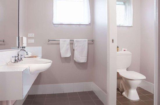 Bomaderry, أستراليا: Deluxe Room Bathroom