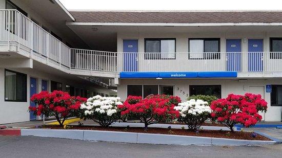 Motel 6 Eugene North - Springfield: exterior