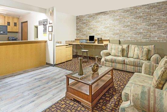super 8 by wyndham logan 44 9 0 updated 2019 prices motel rh tripadvisor com