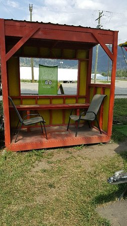 Chase, Canadá: Outdoor seating for 20 available