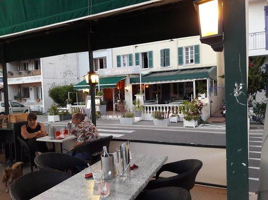 Saint-Mandrier-sur-Mer, Frankrike: TA_IMG_20180621_212235_large.jpg