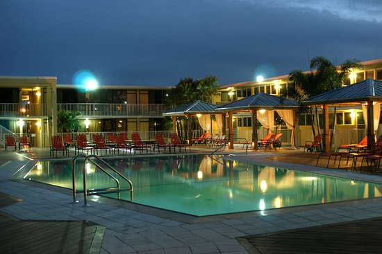 Bentley's Boutique Hotel, BW Premier Collection : Outdoor Pool at Night