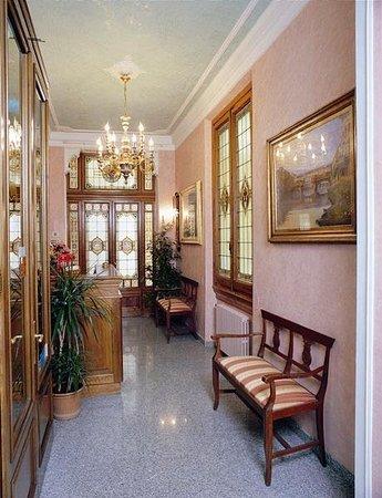 HOTEL DESIREE $66 ($̶8̶9̶) - Prices & Reviews - Florence ...